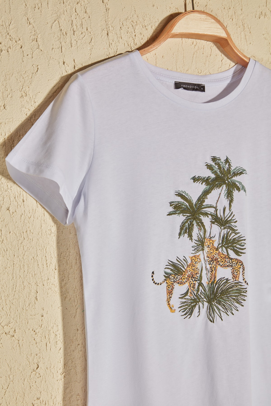 Trendyol White Print And Embroidery Basic Knitted T-shirt